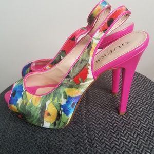 Guess pink floral slingback heels size 9M